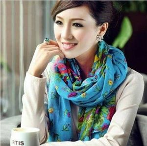 Accessories - Nwt scarf.